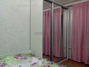 Шкаф-купе и кровать