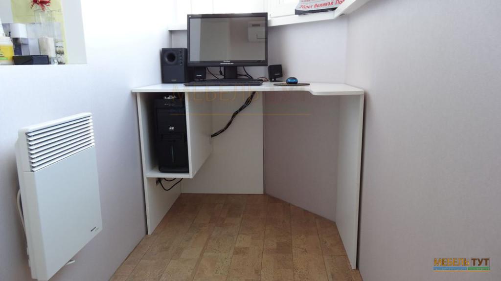 Компьютерный стол своими руками на балконе 3